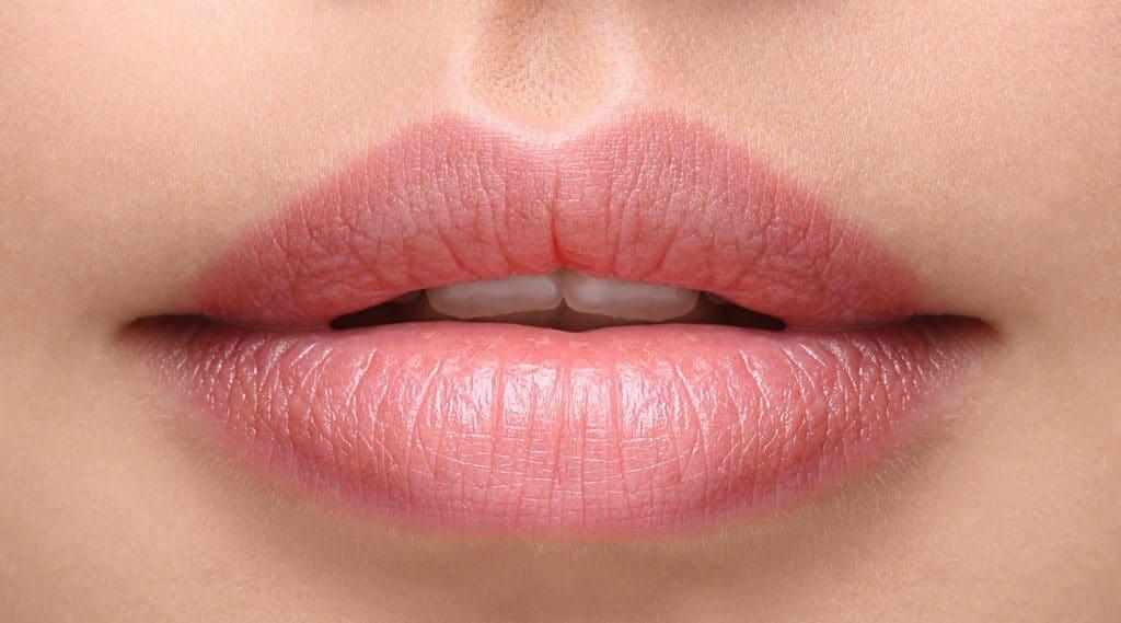 магическото червило Mayani Magic Lipstick