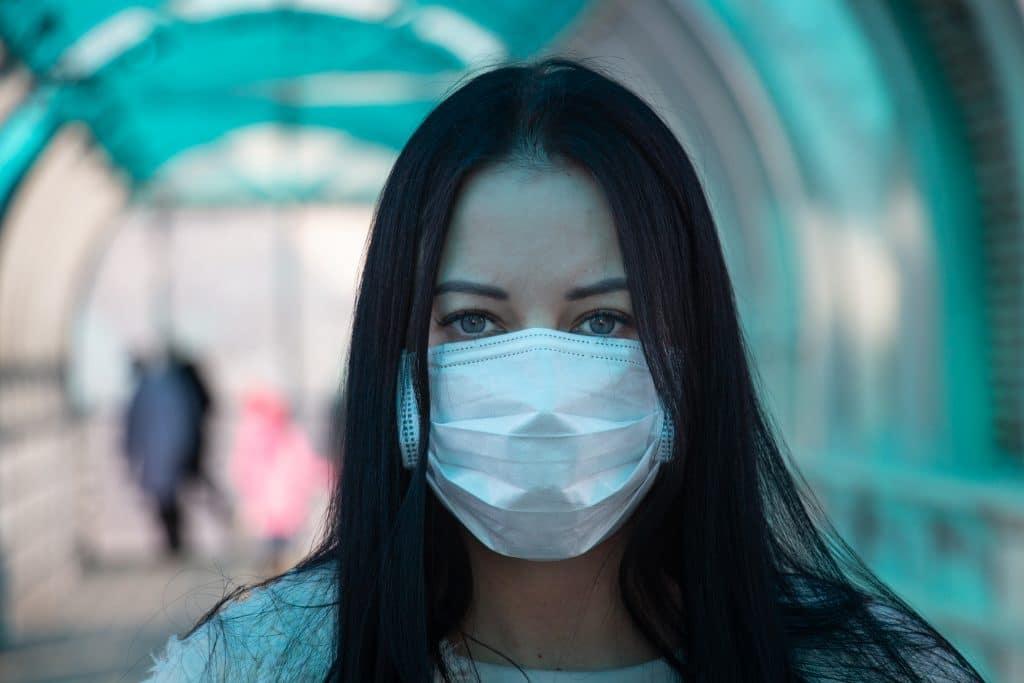 Как да предотвратим кожни проблеми от маската
